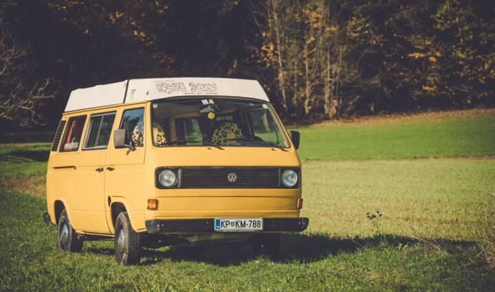 Automatic vintage VW van Rožle!