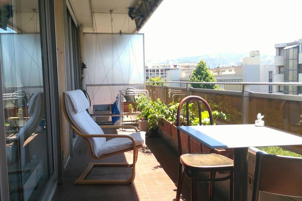 Chambre avec terrasse au centre de marseille for Terrasse de marseille