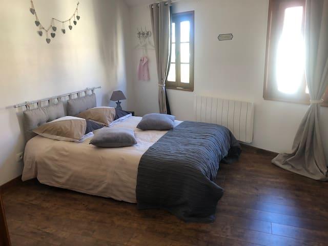 Chambre 2 Attenante à la 3