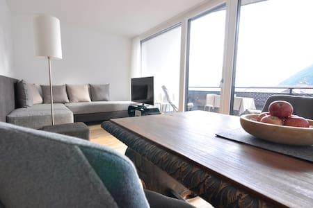 Alpenchalet: Deluxe Apartment Sonnengruss - Rablà - Apartamento
