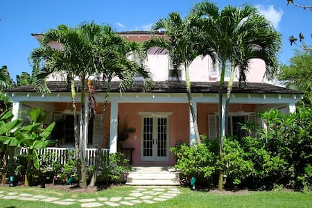 West Hill House in Old Fort Bay
