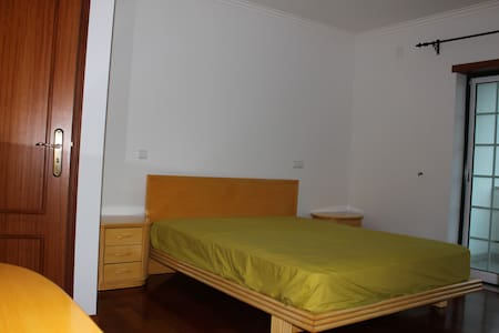 Private bedroom&quiet area - 15minutes from Fátima - Лейрия