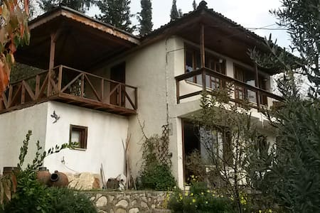 Olive Grove House in rustic village - Nicaea