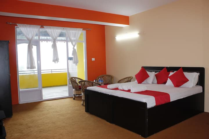 Dreamz  Group Royal Comfort Room With Balcony