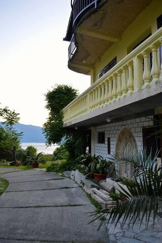 Small rooms/small budget in our Villa close to sea - Risan - Villa