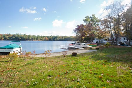 Awesome new construction on Congamond's North Pond - Southwick - Dom