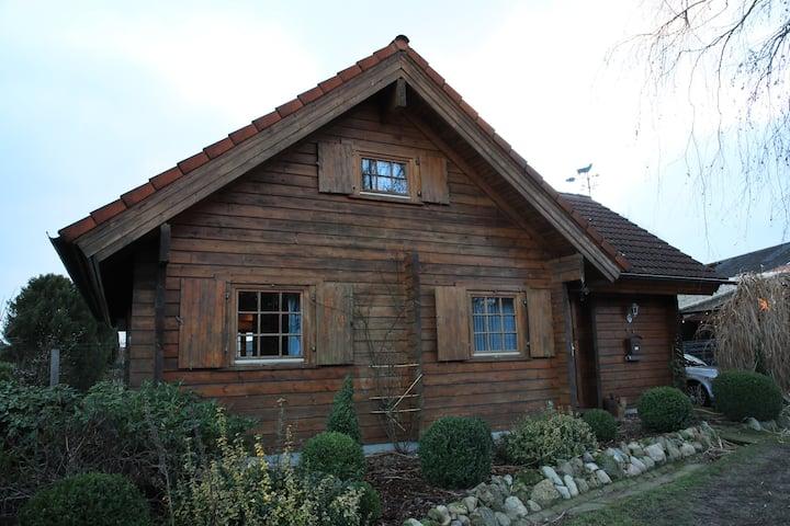 Stadtnahes finnisches Blockhaus, Garten, Terrassen