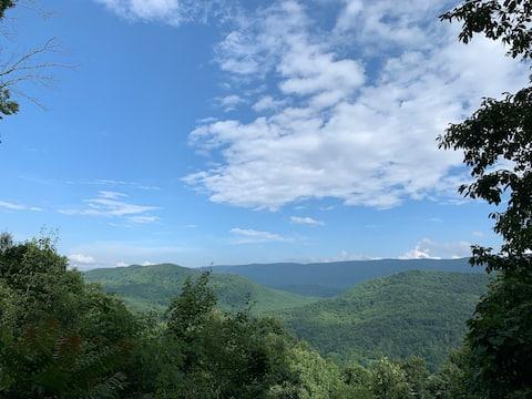 Epic Off Grid Mountain Retreat