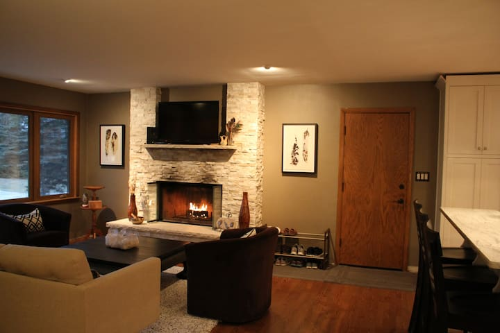 Relax & enjoy the fireplace