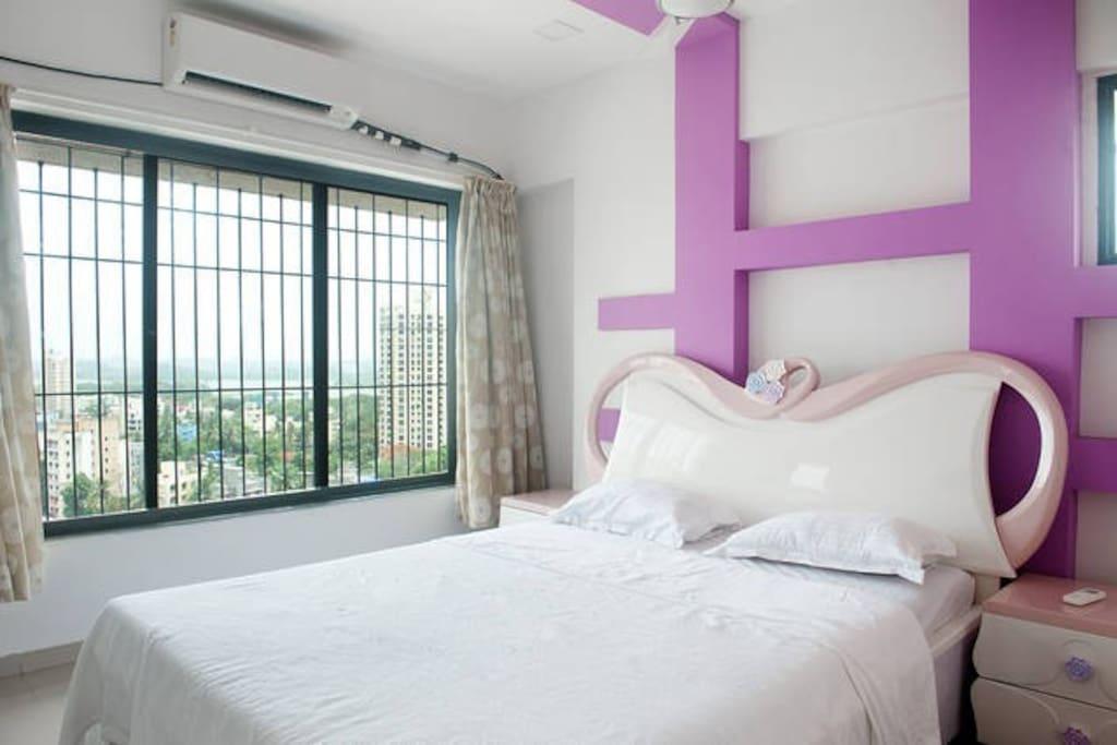 businessstay.co.in Pluto B1401 bedroom