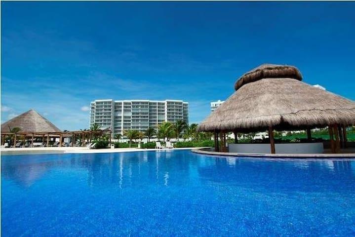 Safest spot in Cancun, Luxury Complex.