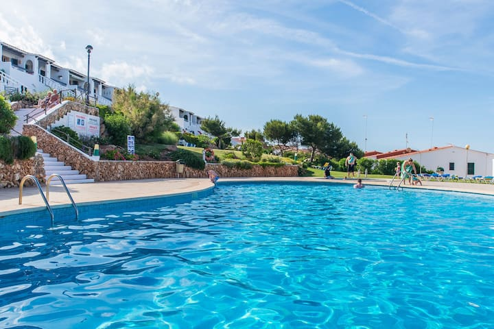 Near the beach with communal pool - Apartment Costa Arenal 45