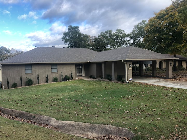 NEW Remodeled Lake Hamilton House+Guest House