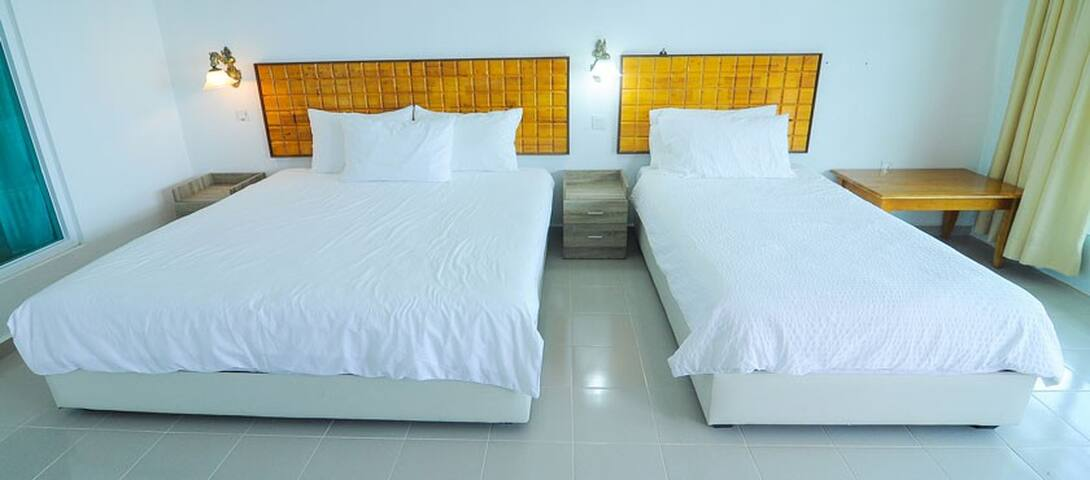 Labu Labi Residence - Triple Room 4