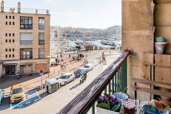 Sublime appartement de 100 m2 à 50m du Vieux Port