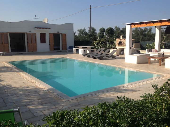 Countryside villa with pool,3km beach,10km ostuni,