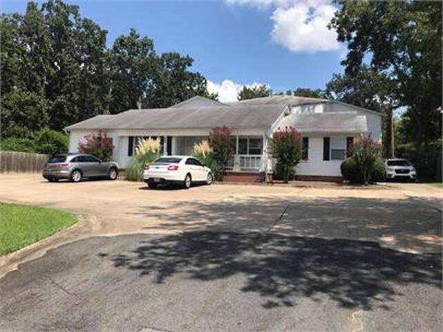 Jackson House Apartments 410