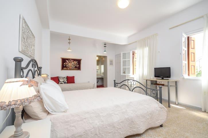 Naxos Center Houses - Suite