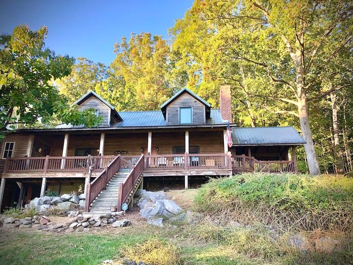 Cozy Cottage @Skyline Meadows Farm near Lexington