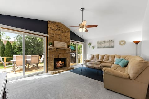 Centrally-Located Relaxed Family Home!!