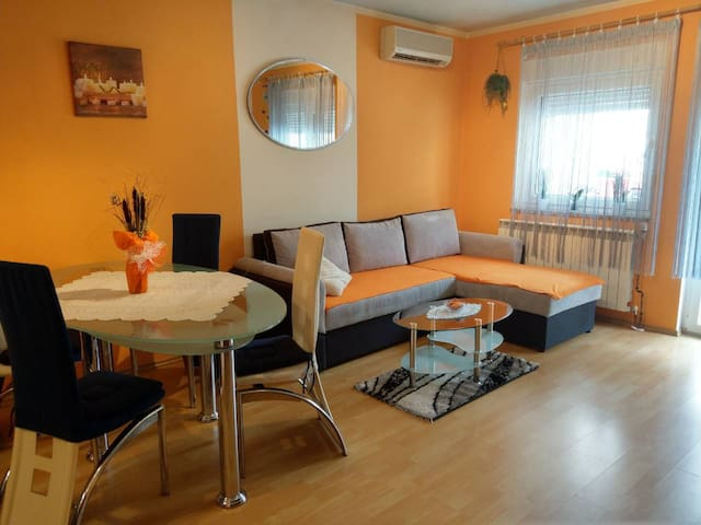 Sandra  - Apartment for 4 persons near Pula centre