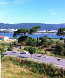 Vista Panorâmica Sobre Rio e Cidade - Darque