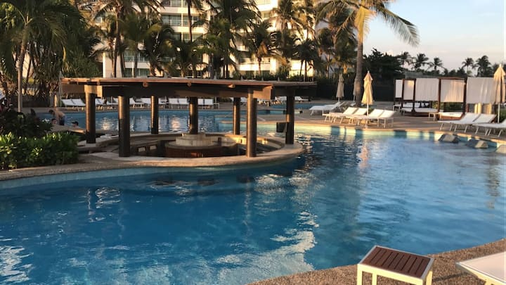 Acapulco Diamante, Casa club playa