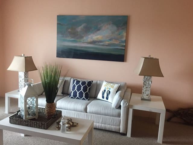 2BR/2BA OCEANBLOCK - Solace at the Beach
