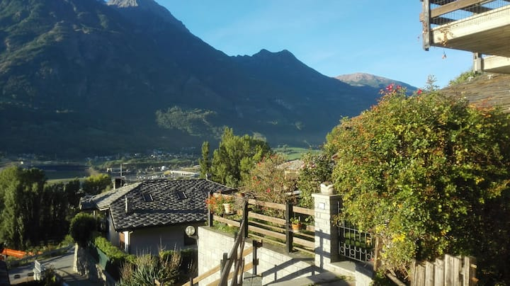 Nice apartment near Aosta with kitchen and a view