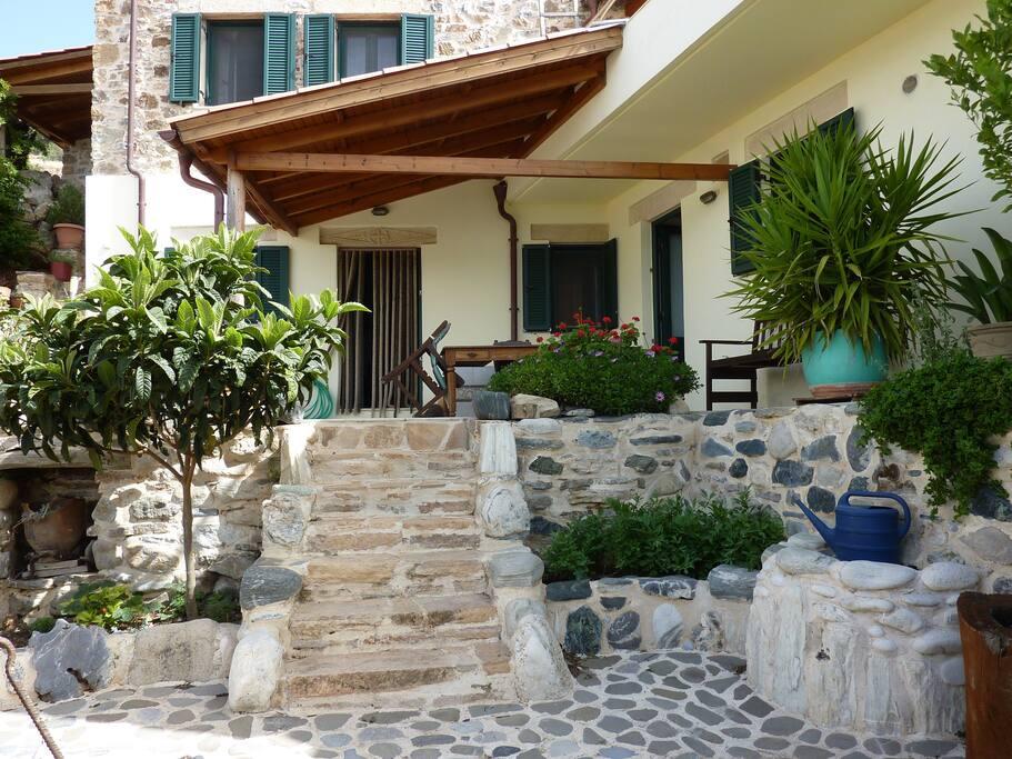 villa eva berg und meer houses for rent in kapetaniana crete greece. Black Bedroom Furniture Sets. Home Design Ideas