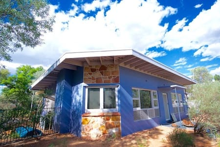Fab Fifties Gem - Alice Springs - Dom