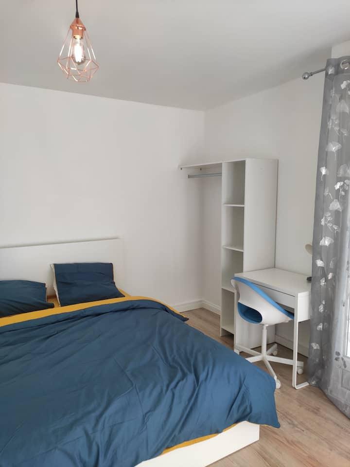 Chambre double dans appartement cosy
