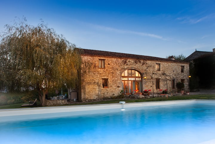 Le Manoir Gite 10 Guests - Heated Pool & Hot Tub