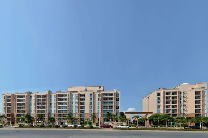Atlantis Condo Pattaya - Front View2