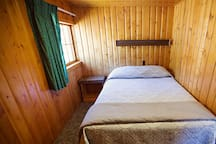 Pine Cone Cabin on the Big Thompson River