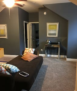 One Bedroom Loft Space - Fulshear - Hus