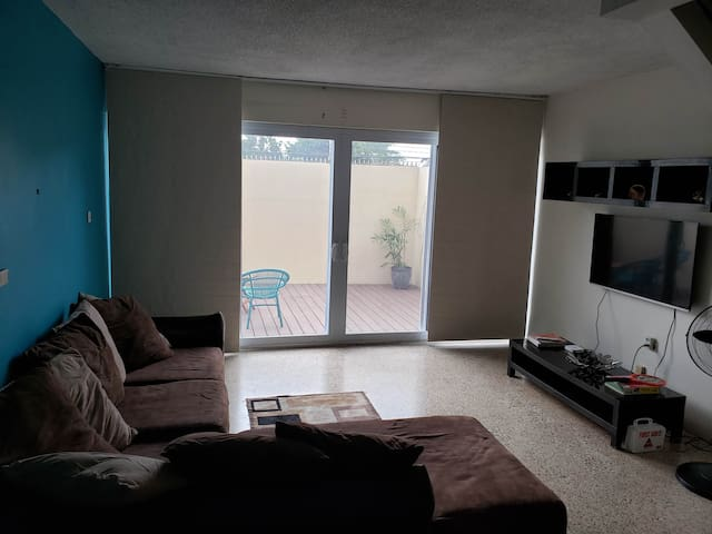 Great Location! Central! New Kingston..