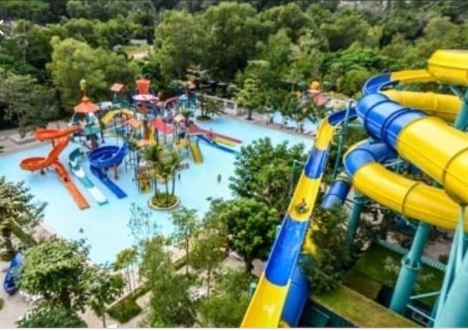 10min drive- Escape water theme park