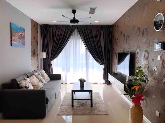 [ Suasana ] Newly Renovated Apartment in the CBD