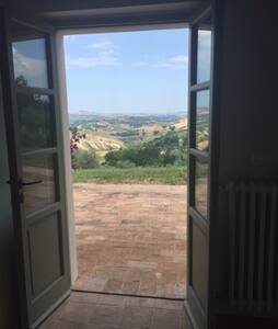 Breathtaking views in a stunning restored farm - Penne