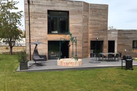 Maison moderne dans beau village - 30 min de Paris - Montfort-l'Amaury