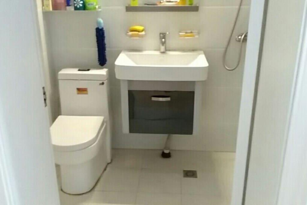 洗手间和洗澡