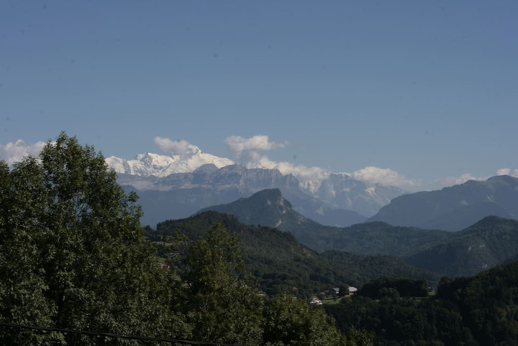 Onnion - vue sur Mont Blanc! - Onnion - view of Mont Blanc!