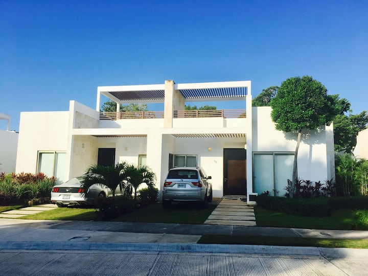 2 bedroom modern townhouse in Akumal, Mexico