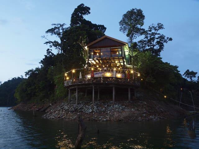 Belum Eco Resort at a paradise Island - Banding Island - Xalet