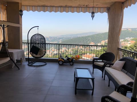 Spacious flat in the heart of Broummana with view