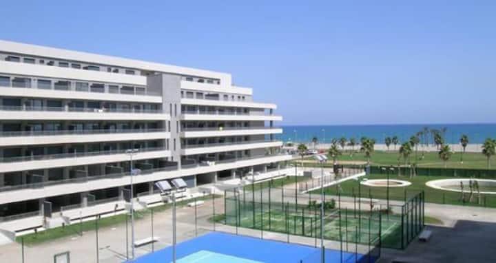 Apartamento lujo, 1* linea playa, Pisc climatizada