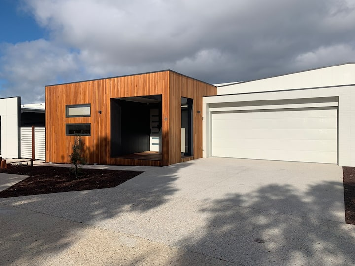 Inlet Holiday Apartments Unit 16 at Inverloch