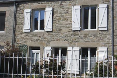 maison avec grand jardin clos - Saint-Vaast-la-Hougue