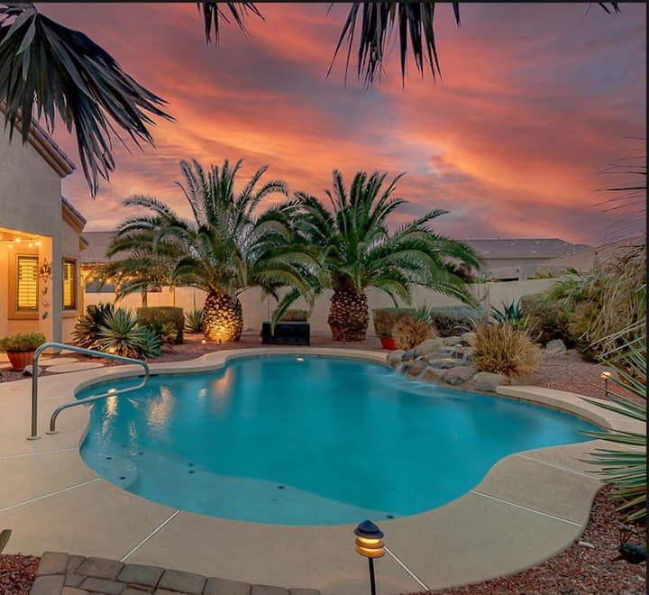 Beautiful vacation home with pool in Estrella!